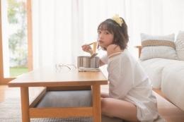 小山百代1st写真集「となり。」発売記念オンライン麺すすり会画像